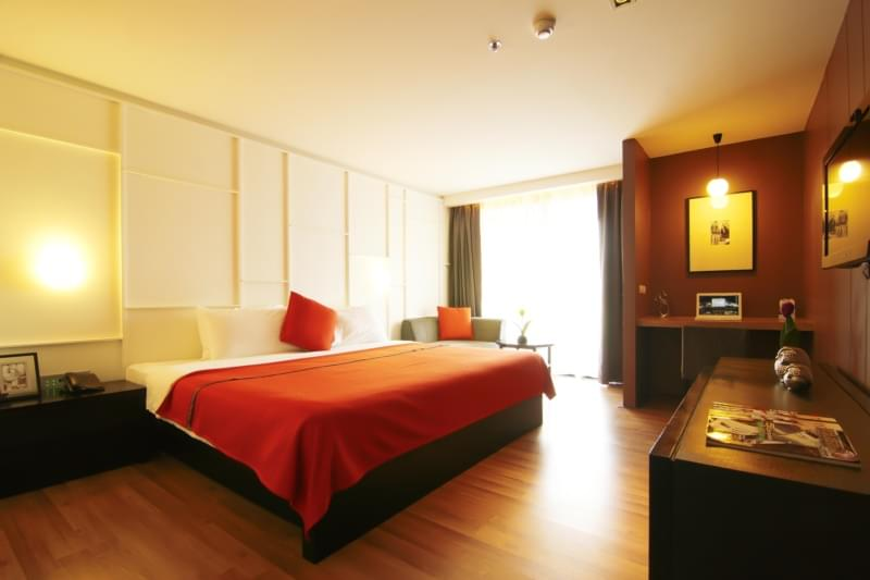 Page 10 Hotel & Restaurants :Studio Deluxe Room( King or Twin Bed )