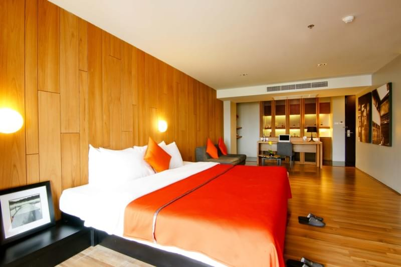 Page 10 Hotel & Restaurants :Junior Suite